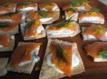 95. Rye Crispbread Crackers with Pepper-Dill Crème Fraîche and Smoked Salmon p.38